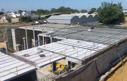 SANDO CONSTRUCCIONES S.A.   (Depósitos del Conquero. Huelva)